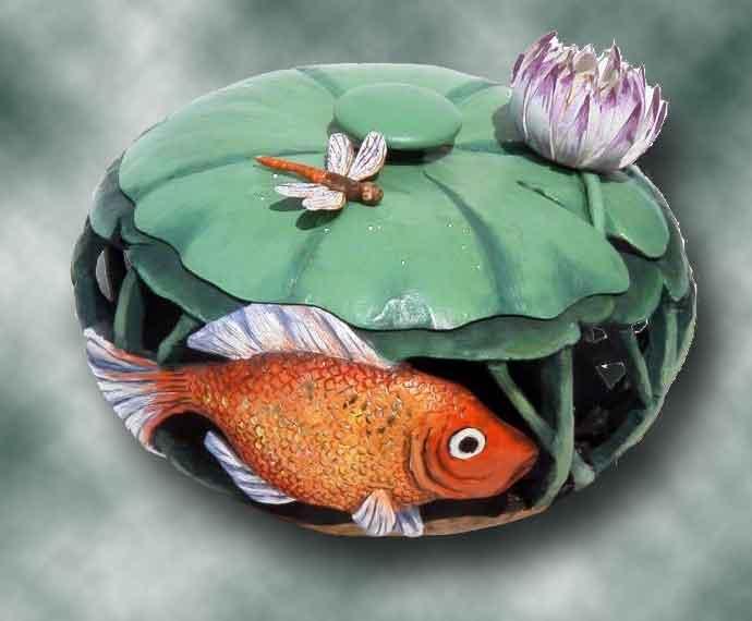 >>>>> Figuras en papel mache .... Wet-goldfish8-web-green